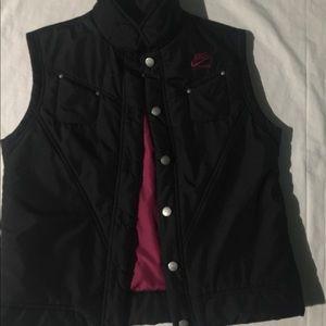 Nike black/fuchsia vest size 8/10